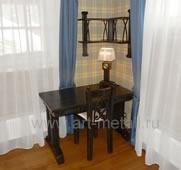 Дубовый стул с коваными элементами