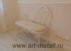 Кованая банкетка, кованая мебель для спальни.