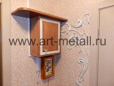Декоративный ящик на электро щиток с дудовой полкой.