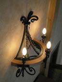 Кованый светильник на 3 лампочки.