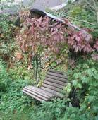 Кованая садовая качель.