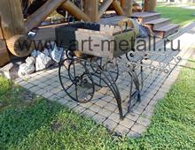 Кованый мангал на колесах.