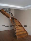 Кованая дубовая лестница.
