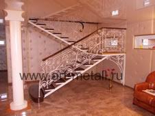 Кованая лестница.