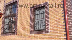 Кованые решетки на окна.